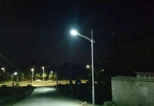 双阳投入150万元安装智能路灯 解决 街巷黑问题雕铣机